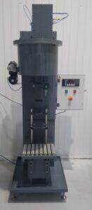 MOM Packaging - Remplissage de produits chlores liquide semi-automatique